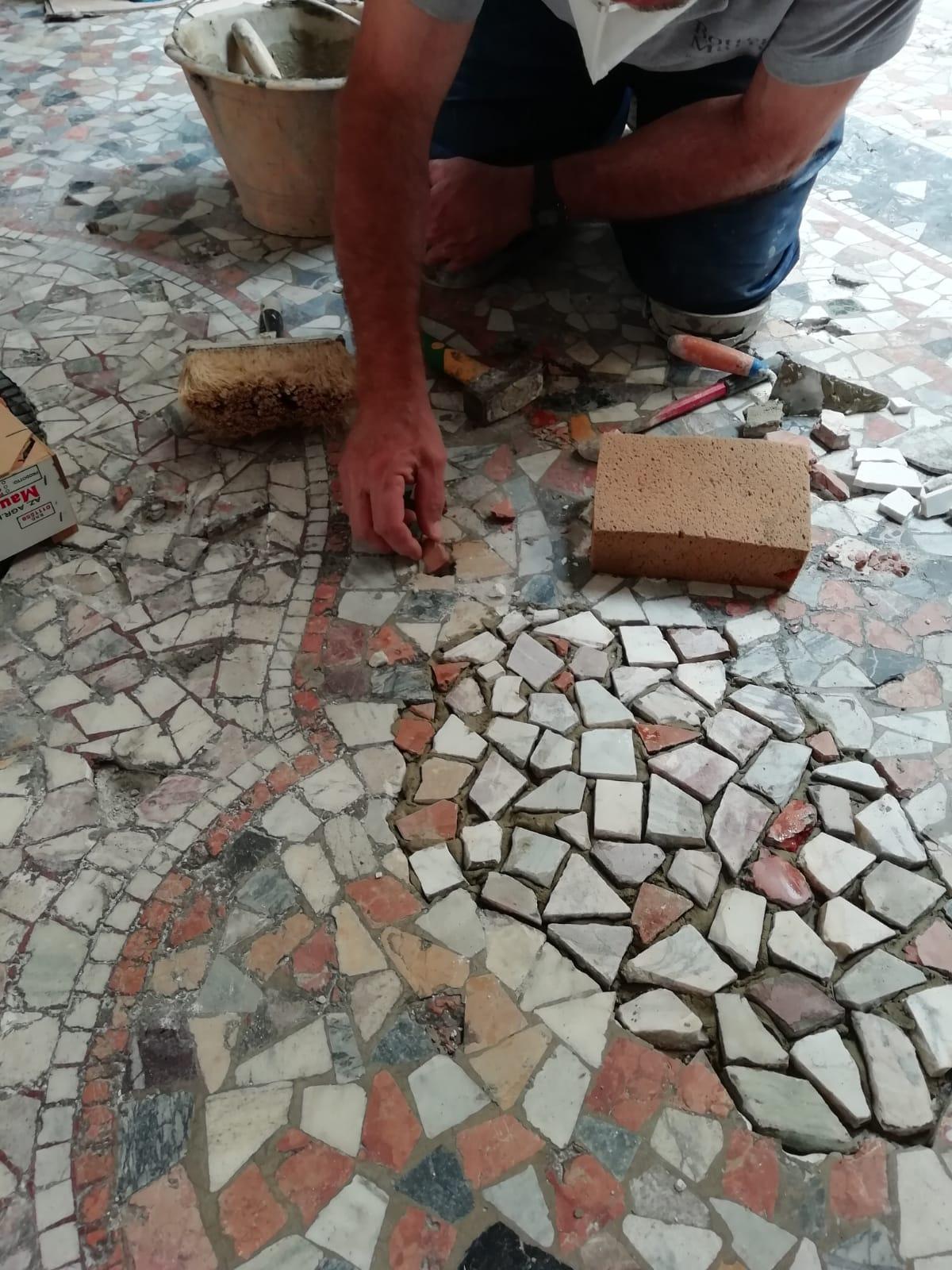 Restauro mosaico 1